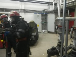 Pompierii arădeni, intervenţie la -50 Grade Celsius pentru remedierea unei scurgeri de amoniac