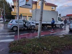 Accident rutier la intersecţia străzii Andrei Şaguna cu strada Ion Raţiu
