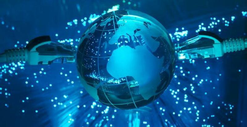 Internetul sau Trinetul?! Google și Facebook fac 70% din traficul realizat pe internet astăzi