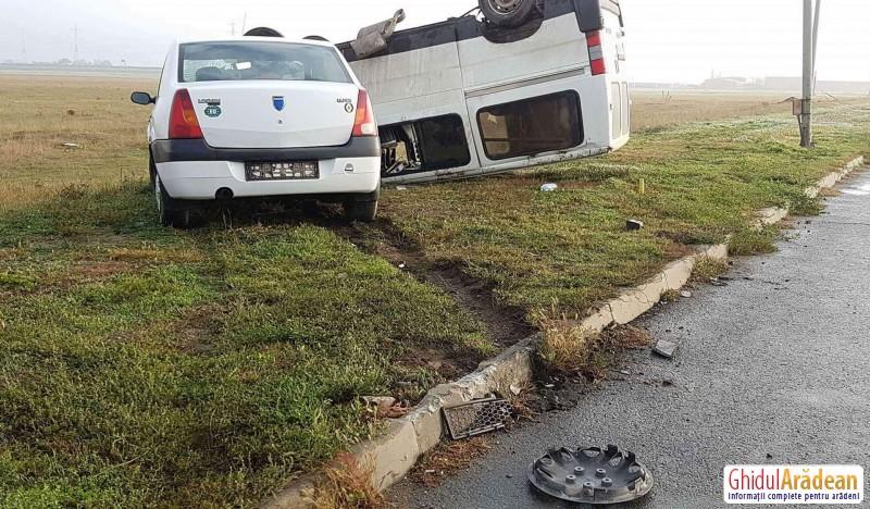 Ceața și neatenția au fost cauzele unui accident rutier, produs vineri dimineața la ieșirea din Arad spre Zădăreni