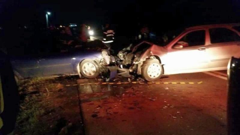 Accident mortal în vestul ţării! Trei maşini distruse şi o persoană decedată din vina unui şofer grăbit