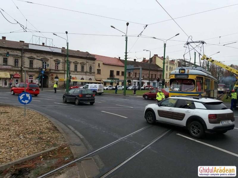 Un tramvai deraiat a dat peste cap întreaga circulaţie în zona Podgoria