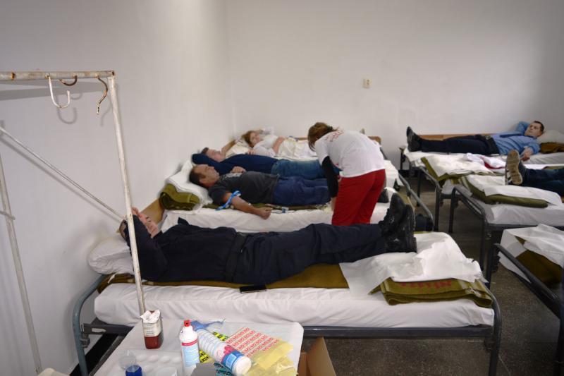 """Peste 8000 ml. de sânge ,, bleu – jandarm"""", au părăsit legal sediul Jandarmeriei Arad"""