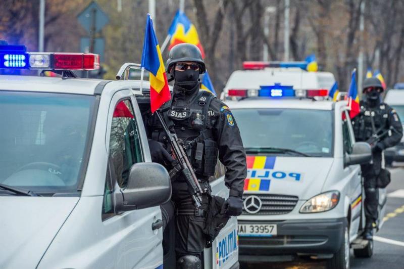 Peste 400 de poliţişti vor asigura ordinea publică în Arad, pe perioada minivacanţei de 1 Decembrie