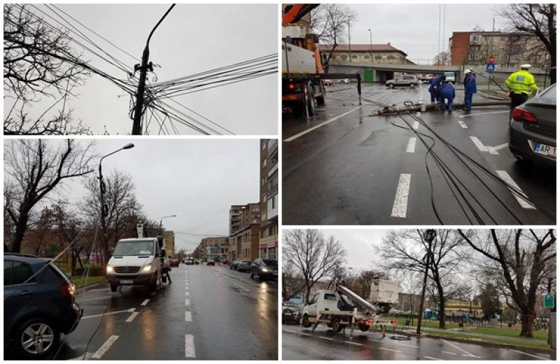 Vântul puternic a rupt un stâlp în apropierea parcului Caius Iacob. Alţi doi stâlpi au fost dezafectaţi de compania ENEL