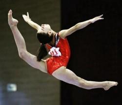 Aradul are o nouă campioană! Arădeanca Iulia Berar,campioană naţională la gimnastică artistică!