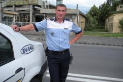 """Celebrul poliţist Godină, mesaj pentru """"hăituiţii"""" de DNA"""