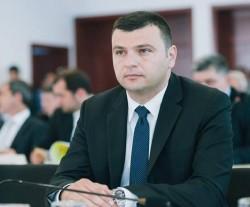 Sergiu Bîlcea : Primarii PNL ies în stradă pentru arădeni, PSD iese în stradă pentru Dragnea!