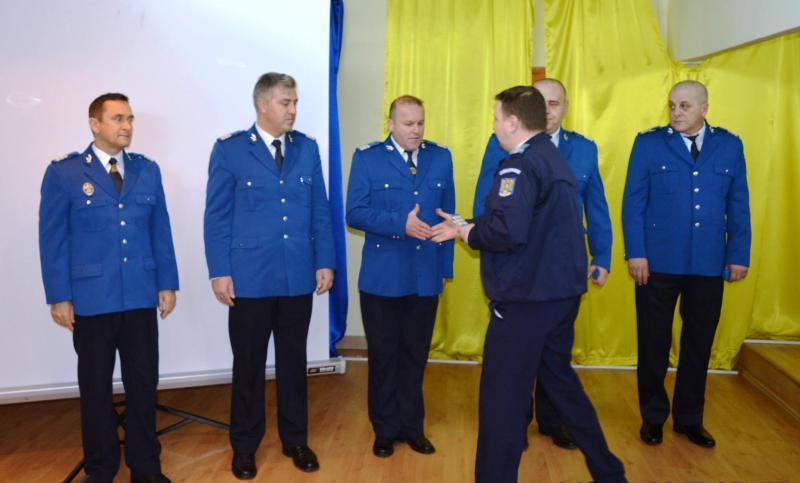 Înaintări în grad la Inspectoratul Judeţean de Jandarmi Arad, prilejuite de Ziua Naţională a României