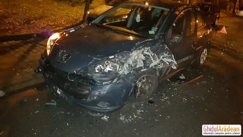 O explozie la roata unui autoturism a produs un alt accident rutier, marți seara, în zona Polivalentă