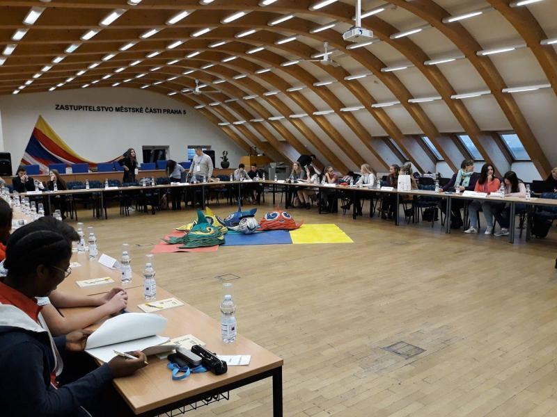 """Elevii Colegiului Tehnic de Construcţii şi Protecţia Mediului Arad au participat  la ,,Conferința Internațională a Elevilor"""" de la Praga"""