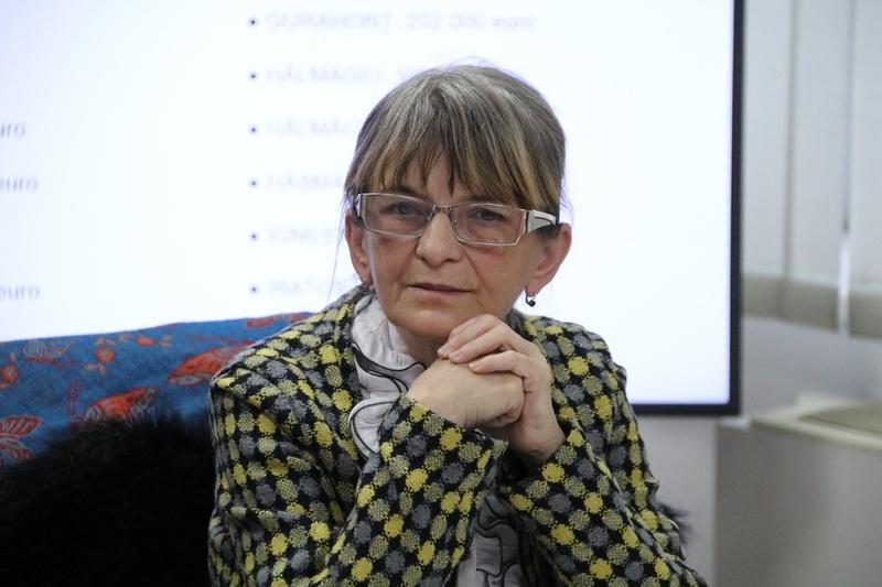 """Letiţia Stoian, primarul comunei Semlac: """"Vom ajunge să ținem copiii în frig în școli și grădinițe, dacă pierdem bani din buget"""""""