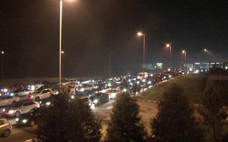 Frontiera de vest, luată cu asalt de românii care se întorc de sărbători în ţară