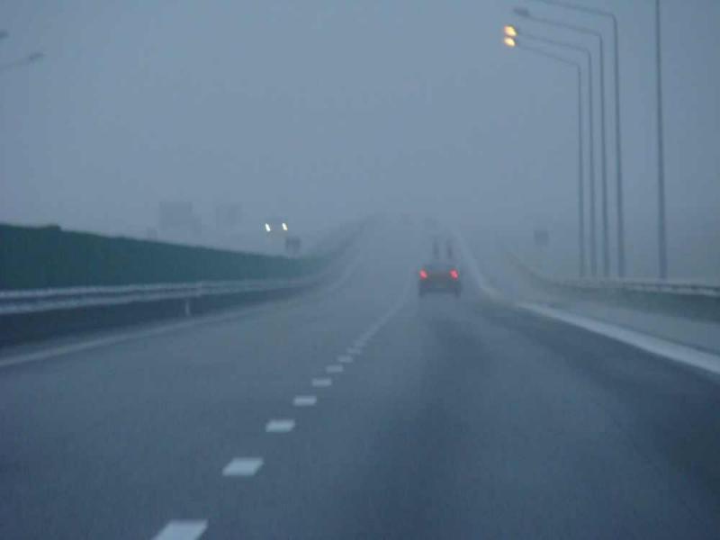Ceața le dă bătaie de cap șoferilor din Arad și Bihor