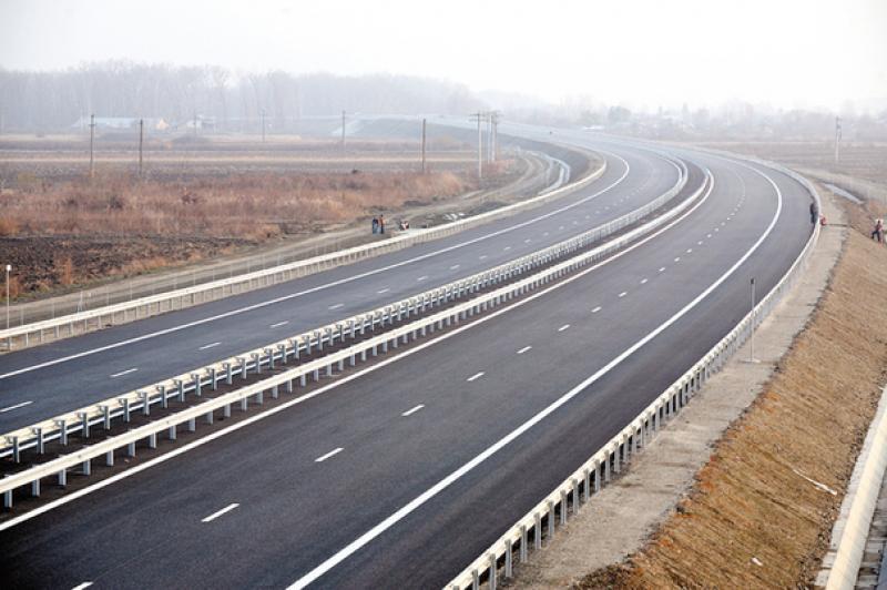O nouă autostradă va lega judeţul Arad, de Budapesta în timp ce autorităţile de la Bucureşti nu reuşesc să treacă Carpaţii