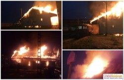 Flăcări uriaşe la un depozit al Gării din Aradul Nou! Pompierii au intervenit de urgenţă pentru stingerea incendiului!