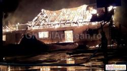 OAMENII STRĂZII sunt cei care au incendiat depozitul din Gara Aradul Nou  vineri noaptea!