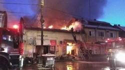 Incendiu violent la Timişoara! Magazine întregi de pe Brancoveanu în flăcări!