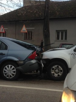 Accident rutier în lanț , în zona UTA