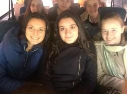 """Elevii Liceului Baptist """"Alexa Popovici"""" din Arad au oferit cadouri copiilor din Sântana"""