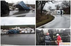 Accident rutier pe DN69. Un autotren încărcat cu aparatură electrocasnică s-a răsturnat între Arad şi Vinga
