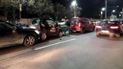 Trei autoturisme implicate într-un accident în lanţ, în faţă la Atrium Mall