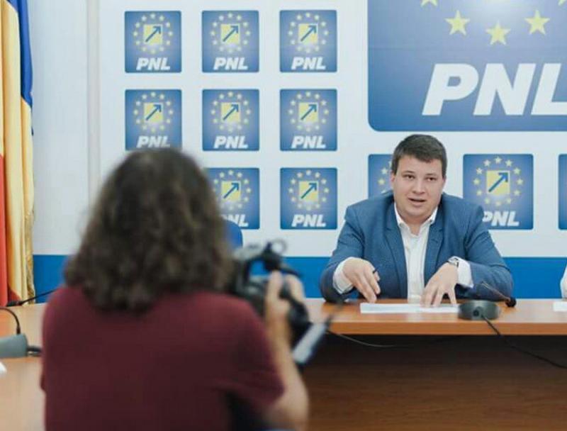 Bogdan Boca (PNL): Parlamentarii PSD Arad au tăiat bani de la fiecare arădean!