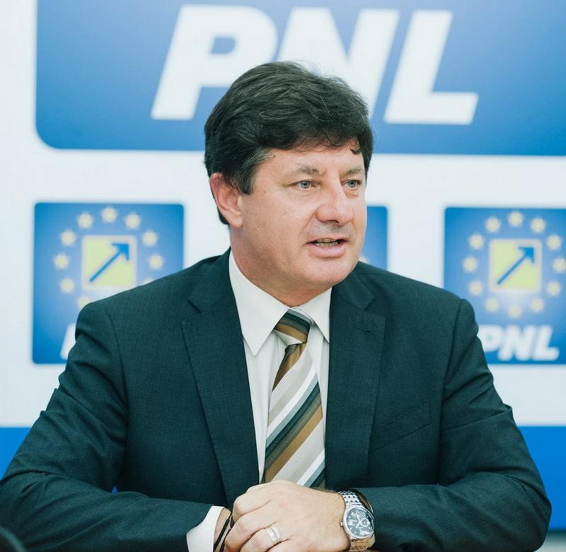 """Iustin Cionca (PNL): """"Tripa a tăiat și banii pentru Cetatea Ineu, odată cu cele 45 de milioane de euro tăiate de PSD de la județul Arad!"""