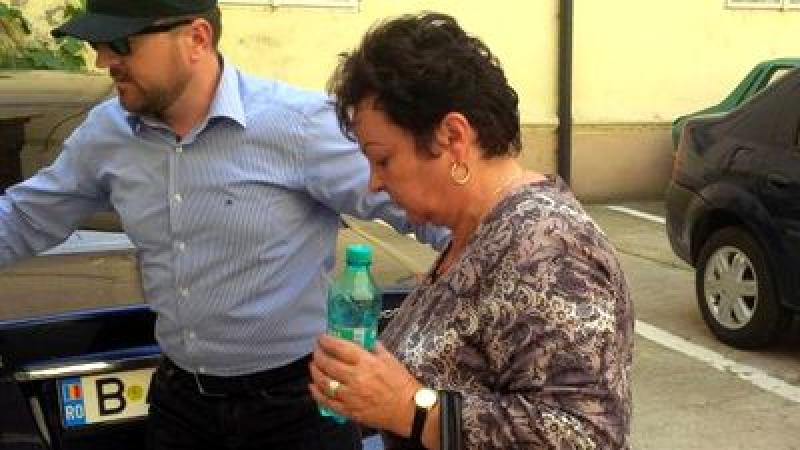 Condamnată la 7 ani, eliberată după 3 luni! Află cum a reuşit  fosta judecătoare din Ineu, să obţină eliberarea!