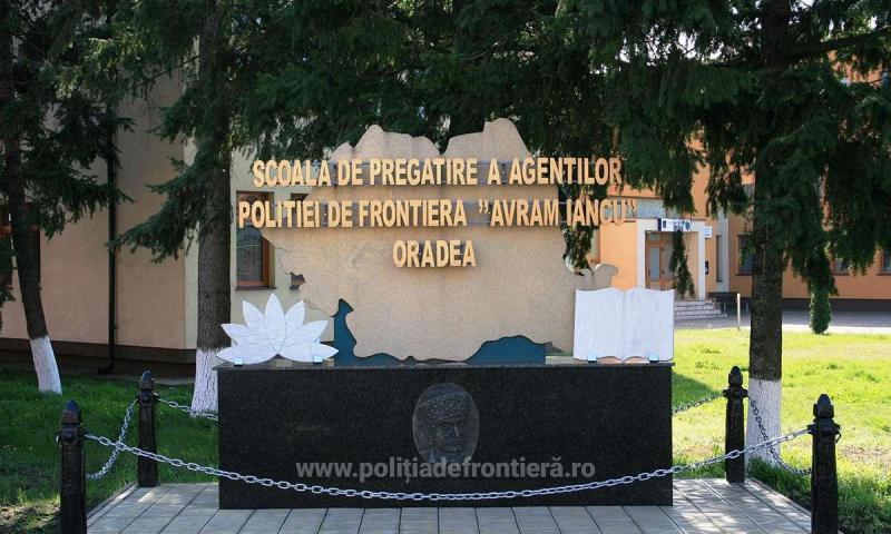 """281 de elevi declaraţi admişi la examenul organizat la Școala de Pregătire a Agenţilor Poliției de Frontieră """"Avram Iancu"""" Oradea"""