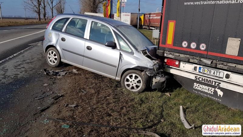Accident rutier la ieșire din Arad spre Pecica