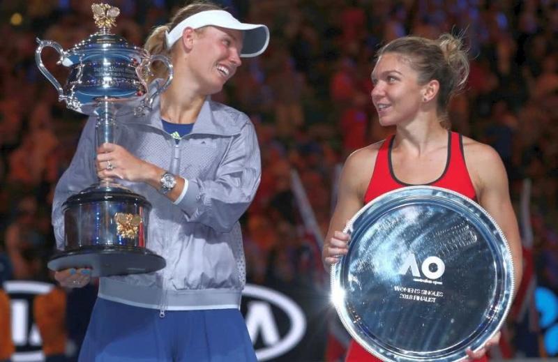 Simona Halep, învinsă de Caroline Wozniacki în finala de la Australian Open.  Află câţi bani încasează cele două finaliste