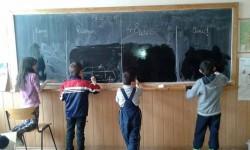 Consiliul Judeţean cofinanţează educaţia copiilor din şcolile defavorizate