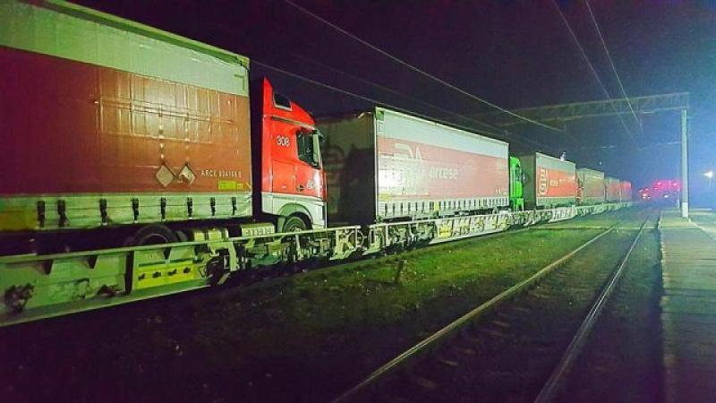 Propunerea Guvernului pentru transportatori:Traseul Curtici-Craiova, 12 ore cu trenul în loc de 5 ore, pe şosele
