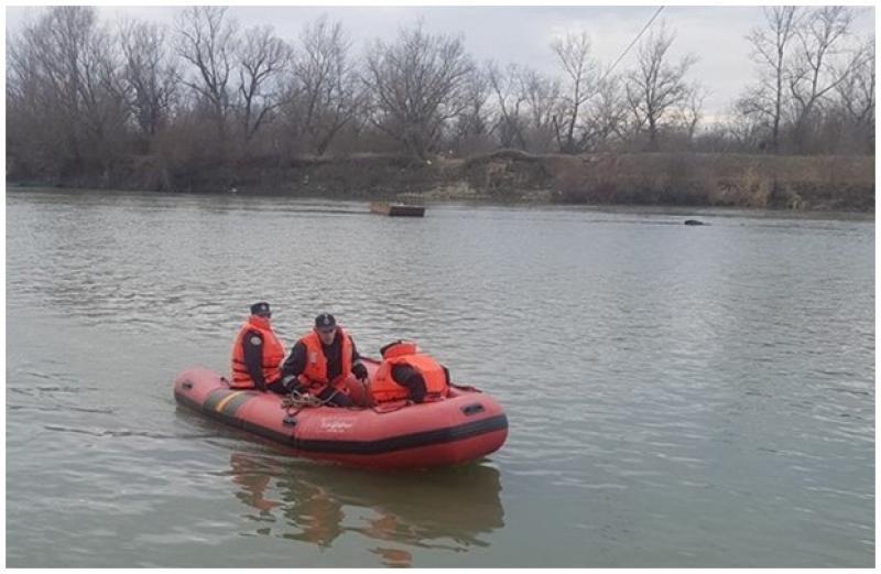 Elev căzut în râul Mureş, în cartierul Micălaca. Pompierii au intervenit de urgenţă