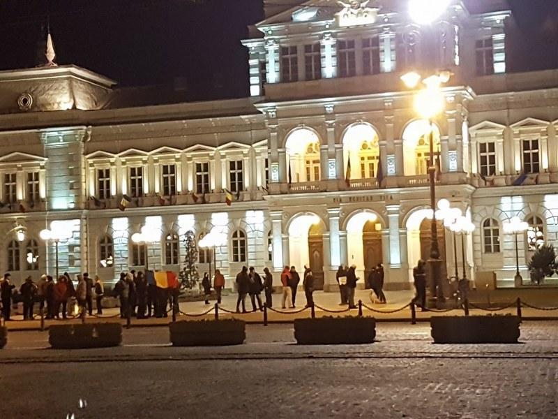 """Arădenii au """"punctat"""" şi ei protestul de duminică seara"""
