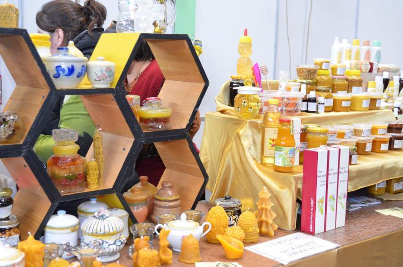 Arpicultura își consolidează statutul de cel mai mare târg apicol din Regiunea de Vest