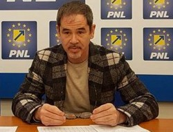 """Ovidiu Moșneag (PNL): """"Aradul pierde, pesedistul Tripa râde si laudă Guvernul """""""