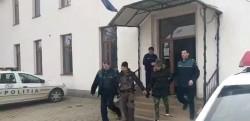 Doi tineri din Ineu, arestaţi pentru comiterea a două spargeri într-o singură noapte
