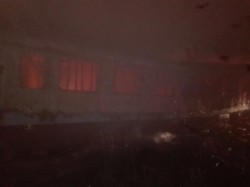 O persoană și-a pierdut viața, iar o alta se află în stare gravă la spital, în urma unui incendiu