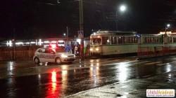 Bătrân accidentat în stația de tramvai din zona Miorița