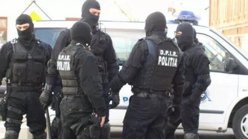 Operaţiune de amploare a oamenilor legii! Poliţiştii au descins în 89 de locaţii din Arad şi alte 22 de judeţe!