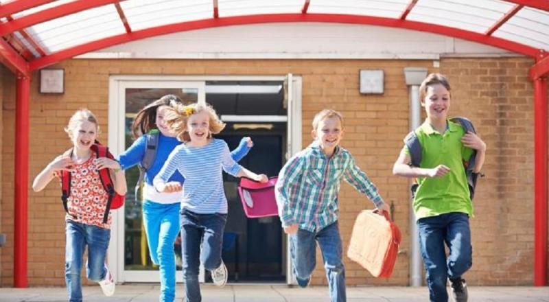 Se apropie vacanța de Paști ! Elevii vor sta acasă cu o săptămână mai mult