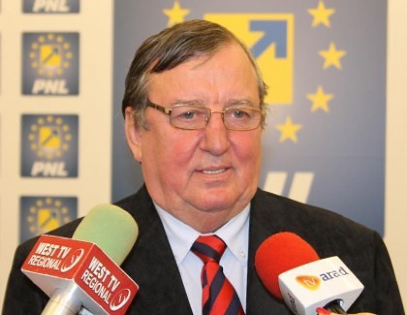 """Vasile Ciceac(PNL): Până să analizeze drumurile judeţene, consilierul Sulincean să vadă """"bârna"""" numită Guvernul PSD!"""