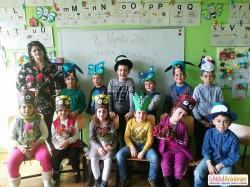 La Școala Primară din Mândruloc, elevii clasei pregătitoare sunt harnici și voioși, odată cu sosirea primăverii