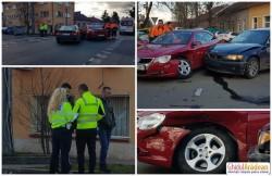 Întâlnire nefericită între un BMW şi un VW EOS, la intersecţia străzilor Oituz cu Ion Raţiu