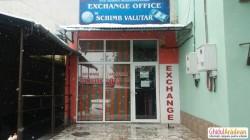 O casă de schimb valutar din Chișineu Criș a rămas fără casa de bani după ce a fost călcată de hoţi