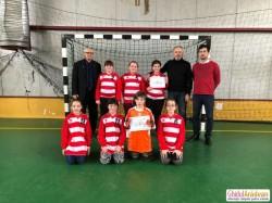 La Arad, și fetele joacă fotbal. Antrenorii Radu George și Ștefan Mândru descoperă tinere talente