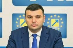 """Sergiu Bîlcea (PNL): """"Arădenii, chemaţi să susţină realizarea parcării subterane în Piaţa Avram Iancu"""""""