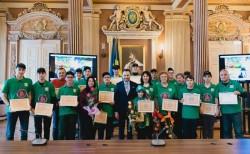 Felicitări, Muschetarilor roboticii din partea administraţiei locale!